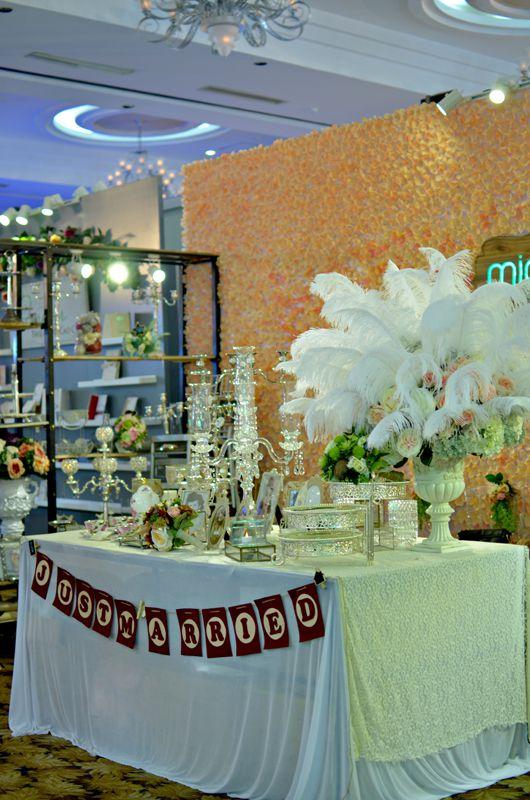 bàn gallery màu trắng - 03